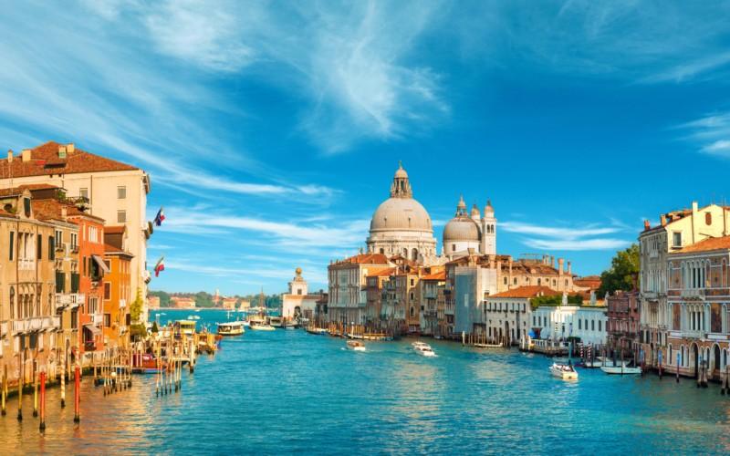イタリア主要都市の天気(50音順)