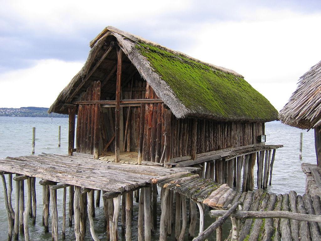 アルプス山脈周辺の先史時代の杭上住居群