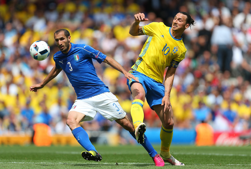 TOULOUSE, FRANCE - JUNE 17: Giorgio Chiellini of Italy and Zlatan Ibrahimovich of Sweden during the UEFA EURO 2016 Group E match between Italy and Sweden at Stadium Municipal on June 17, 2016 in Toulouse, France. (Photo by Catherine Ivill - AMA/Getty Images)