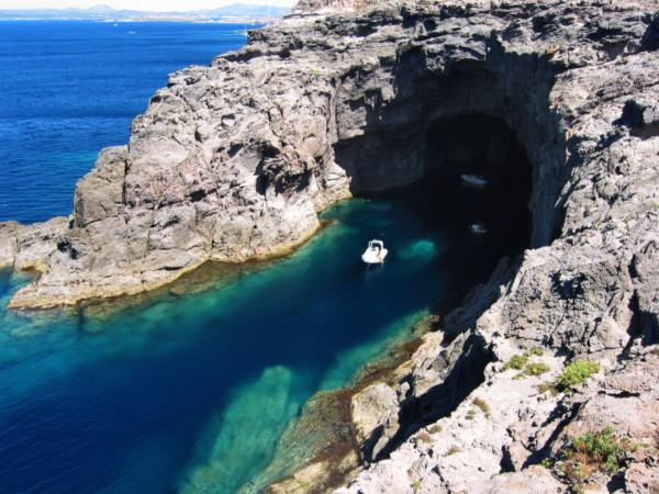 死ぬまでに行きたい!イタリアの美しい島10選