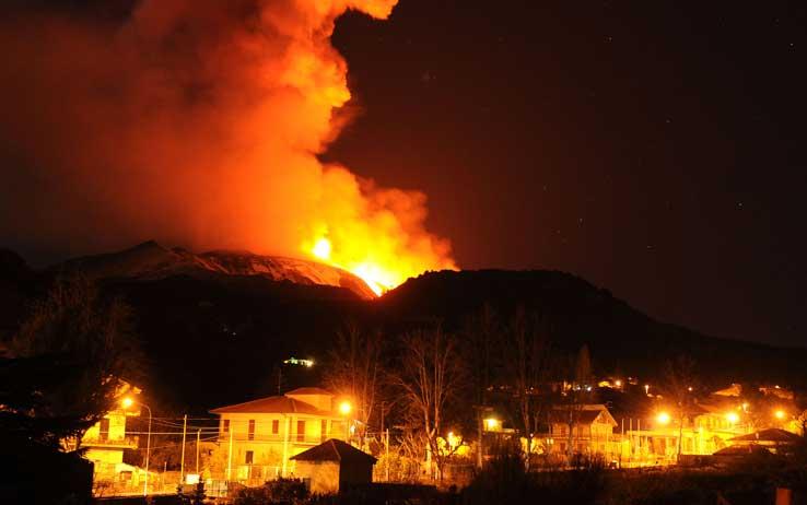 こちらは2011年の噴火の模様