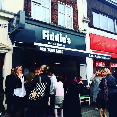イギリスで人気のイタリアン、Fiddie's Italian Kitchen