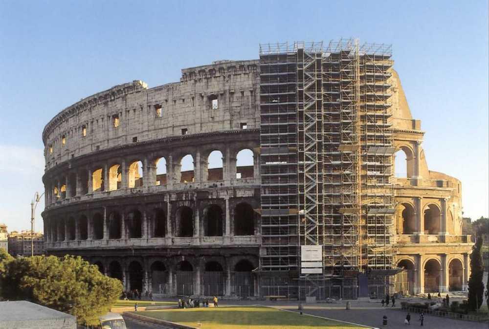 1280313610815_Restauro_prospetto_Colosseo_Anni_90