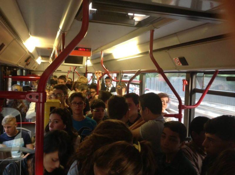 bus-affollato