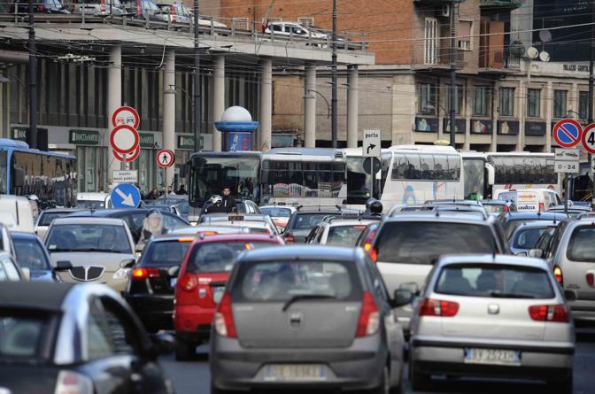 ローマの交通渋滞