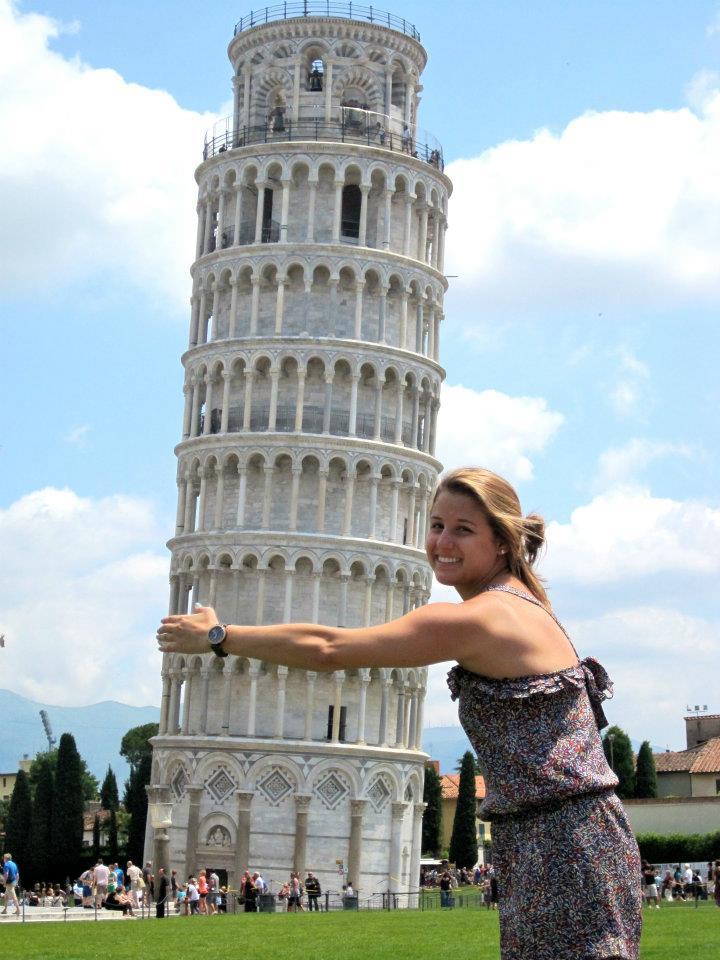 ピサの斜塔とハイチーズ! 観光客が撮ったものスゴい写真10枚