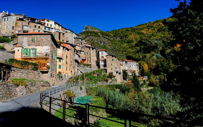 【小さな村の物語 イタリア】第268回 ピーニャ / リグーリア州