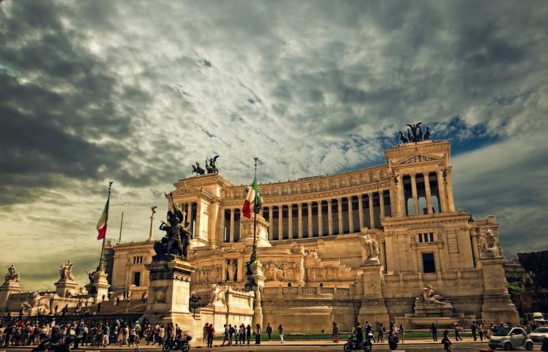 観光大国イタリアの貧困と移民問題