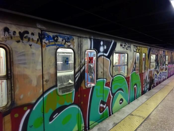 イタリア・ローマの地下鉄を乗りこなそう!乗り方や注意点は?