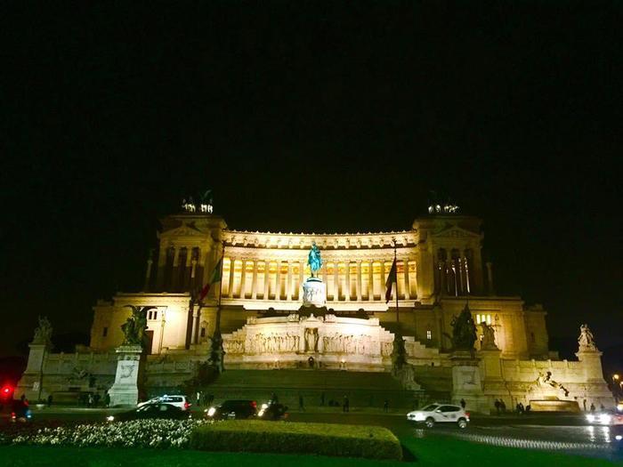 あの観光地を独り占め!?夜のローマ散策の魅力と注意点を解説